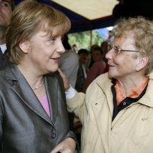 Angela Merkel ir Herlind Kasner