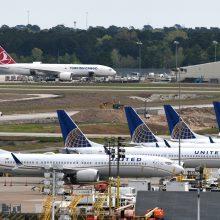 """Iškilus detalėms apie """"737 Max"""" lėktuvus, """"Boeing"""" patirs milijardinius nuostolius"""