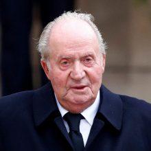 Korupcija įtariamas buvęs Ispanijos karalius J. Carlosas palieka šalį