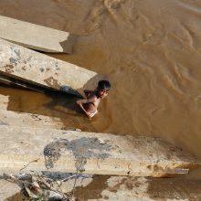 Indonezijoje žemės nuošliaužos nusinešė 11 gyvybių