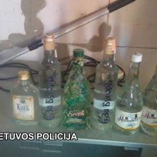 Šalčininkų rajone rasta alkoholio ir kontrabandinių rūkalų