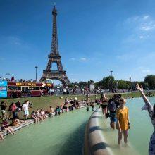 Dėl personalo streiko Paryžiuje lankytojams uždarytas Eifelio bokštas