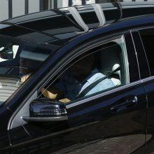 Skelbia apėję draudimą tamsinti priekinius automobilio langus: nustebino pareigūnus