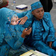 Indonezija pasitiko 2019-uosius masinėmis vestuvėmis Džakartoje