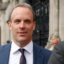 """B. Johnsoną palaiko ir pagrindinis """"Brexit"""" šalininkas D. Raabas"""