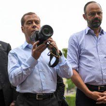 Prancūzijoje lankėsi Rusijos premjeras