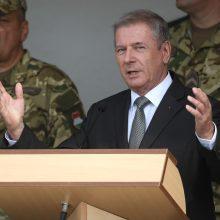 """Vengrija ir JAV sutarė dėl """"didžiausio visų laikų"""" ginkluotės įsigijimo sandorio"""