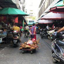 Aktyvistai sveikina taisykles, galinčias užbaigti prekybą šuniena Kinijoje