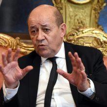 """Prancūzija: išeiti iš krizės su JAV prireiks """"laiko ir veiksmų"""""""