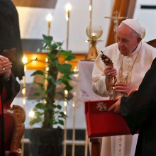 Popiežius pagerbė žudynių aukas Bagdado bažnyčioje