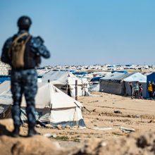 Sirijos kurdų pajėgos per operaciją pabėgėlių stovykloje suėmė 125 įtariamus džihadistus
