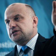 """Estijos ministras pavadino hiperbole E. Macrono žodžius apie NATO """"smegenų mirtį"""""""