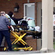 JAV Tenesio valstijoje užpuolikas mirtinai subadė 3 žmones, dar vieną sužeidė