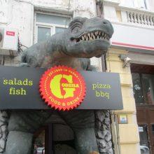 Nepaisant didėjančios koronaviruso infekcijų kreivės, Bulgarija leido atidaryti kavines, restoranus
