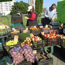 Kaunietis: kodėl Kauno turguose taip stipriai skiriasi vaisių ir daržovių kainos?