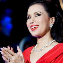 """Tailando karalius """"nederamu"""" vadina savo sesers sprendimą žengti į politiką"""