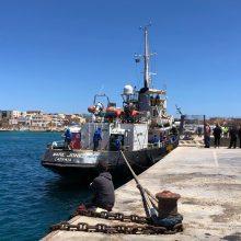 Italija įsileido laivus su išgelbėtais migrantais