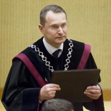KT: savo teises teisme apgynusiam žmogui privaloma atlyginti advokato išlaidas
