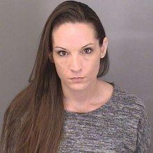 38-erių metų moteris apkaltinta berniukų suviliojimu