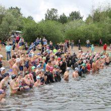 Tradiciniame plaukimo maratone – prizai ne tik greičiausiems