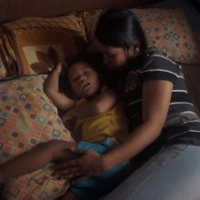"""Su filmo """"Užjūris"""" režisiere apie moterų solidarumą ir ekonominę Filipinų situaciją"""
