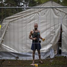 Pirmasis migrantas iš Irako savo noru išvyko namo, tą padaryti planuoja dar dešimt