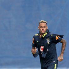 Brazilijos policija dėl įrodymų stokos nebetirs Neymarui mestų kaltinimų išžaginimu