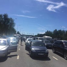 Kelto į Klaipėdą Smiltynėje laukia tūkstančiai automobilių