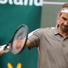 Dešimtojo titulo siekiantis R. Federeris Halėje prasibrovė į ketvirtfinalį