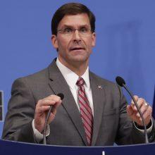 JAV gynybos sekretorius: iš Afganistano atitraukti karių  neplanuojama