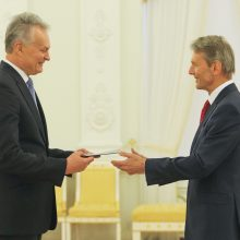 G. Nausėda priėmė dviejų šalių ambasadorių skiriamuosius raštus