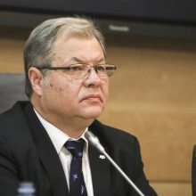 Seimo frakcijų seniūnai įvertino siūlymą atleisti A. Jakubauską: siūlymą palaikys ne visi