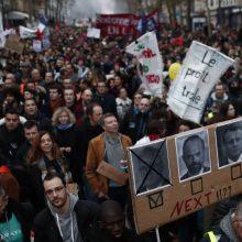 Prancūzijoje tęsiasi streikai dėl pensijų reformos
