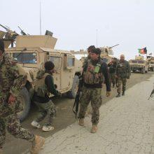 JAV patvirtino, kad Afganistane sudužo šalies karinis orlaivis
