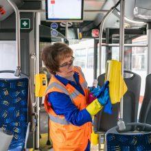 Vilniuje 90 proc. keleivių viešajame transporte laikosi reikalavimo dėvėti kaukes