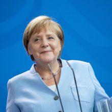 A. Merkel: Vokietija turi pati gamintis medicinines apsaugos priemones
