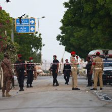 Pakistane sudužus lėktuvui žuvo 97, išgyveno du žmonės