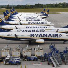 """""""Ryanair"""" lėktuvas dėl gaisro turėjo leistis Salonikuose"""