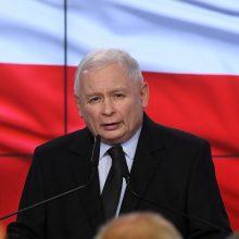 Lenkijos valdantieji susigrąžino nedidelę daugumą parlamente