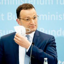 Vokietija nuo birželio 7-osios atšaukia vakcinacijos eiliškumo taisyklę