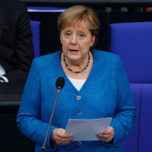A. Merkel pasmerkė Vengrijos LGBTQ įstatymą ir pavadino jį neteisingu