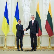 G. Nausėda padėkojo Ukrainos vadovui už suteiktą paramą – 100 km koncertinos vielos