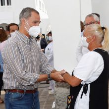 Ispanijos karališkoji pora aplankė La Palmos vulkano išsiveržimo aukas