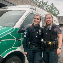 Vairuotojas už pagalbą kelyje dėkoja policijos pareigūnėms