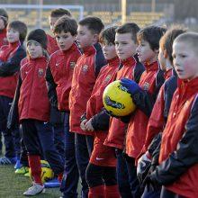 JK vaikams iki 12 metų bus uždrausta per futbolo treniruotes mušti kamuolį galva