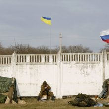 Kijevas ir separatistai skelbia užbaigę pajėgų atitraukimą nuo fronto linijos
