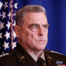 Baltieji rūmai: J. Bidenas visiškai pasitiki generolu M. Milley