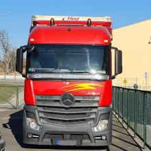 Neapdraustą vilkiką vairavęs kirgizas pasieniečiui siūlė 100 eurų kyšį