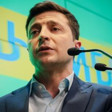 Oficialu: Ukrainos vadovo rinkimus laimėjo 73 proc. balsų surinkęs V. Zelenskis