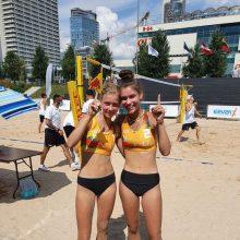 Jaunių paplūdimio tinklinio čempionate – fantastiškas lietuvaičių triumfas
